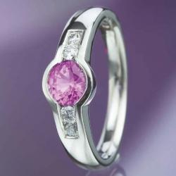 Platinový prsten s růžovým safírem vzor č. 0116