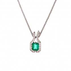 Přívěsek se smaragdem a diamanty