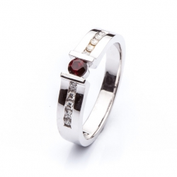 Prsten s českým granátem vzor č. 0145